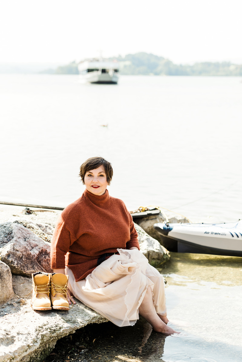 Susanne Ackstaller genießt die ersten Herbsttage am Staffelsee