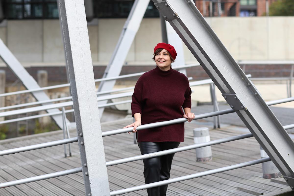 Plussize-Mode in der Hafencity: Susanne Ackstaller zeigt, wie chic Mode für Große Größen sein kann.