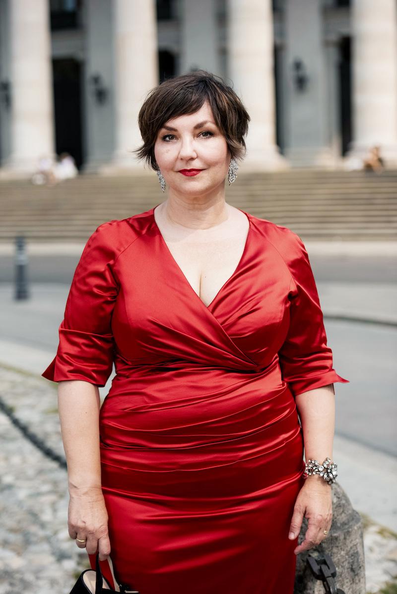 Susanne Ackstaller aka Texterella in München vor der Bayrischen Staatsoper