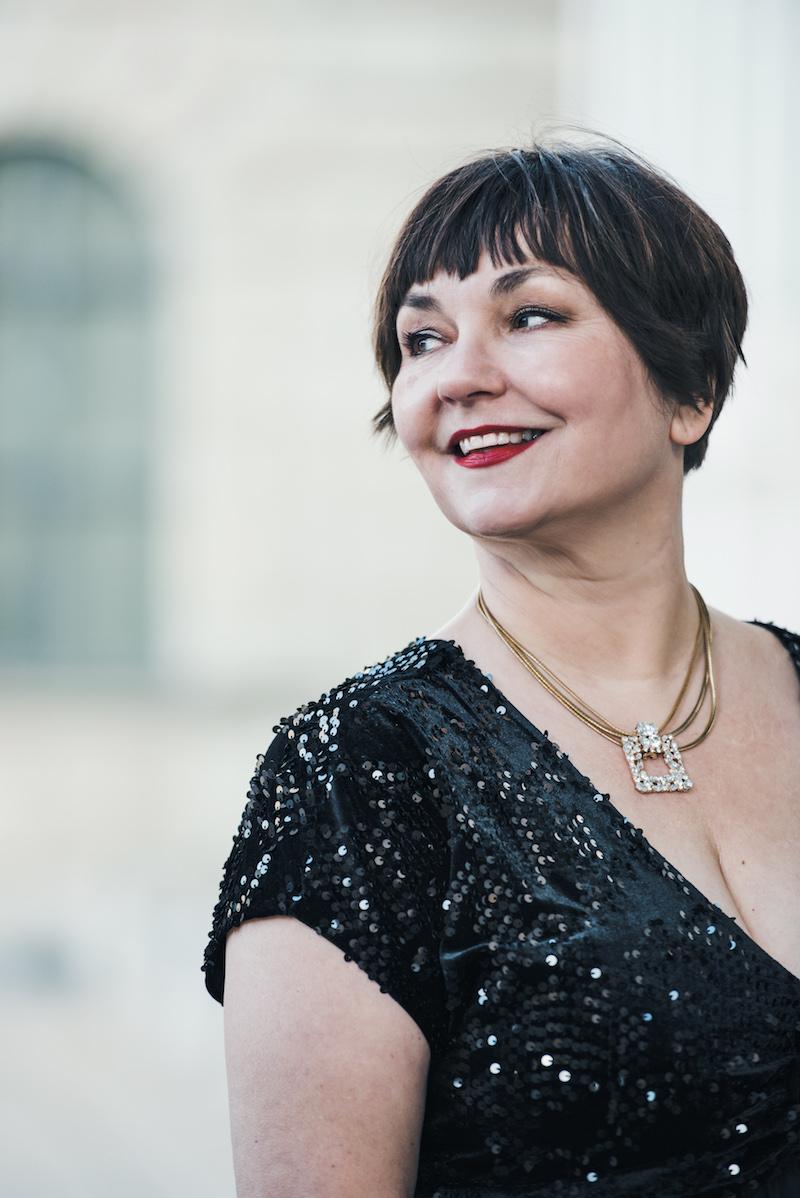 Texterella aka Susanne Ackstaller im glamourösen Silvesterkleid?