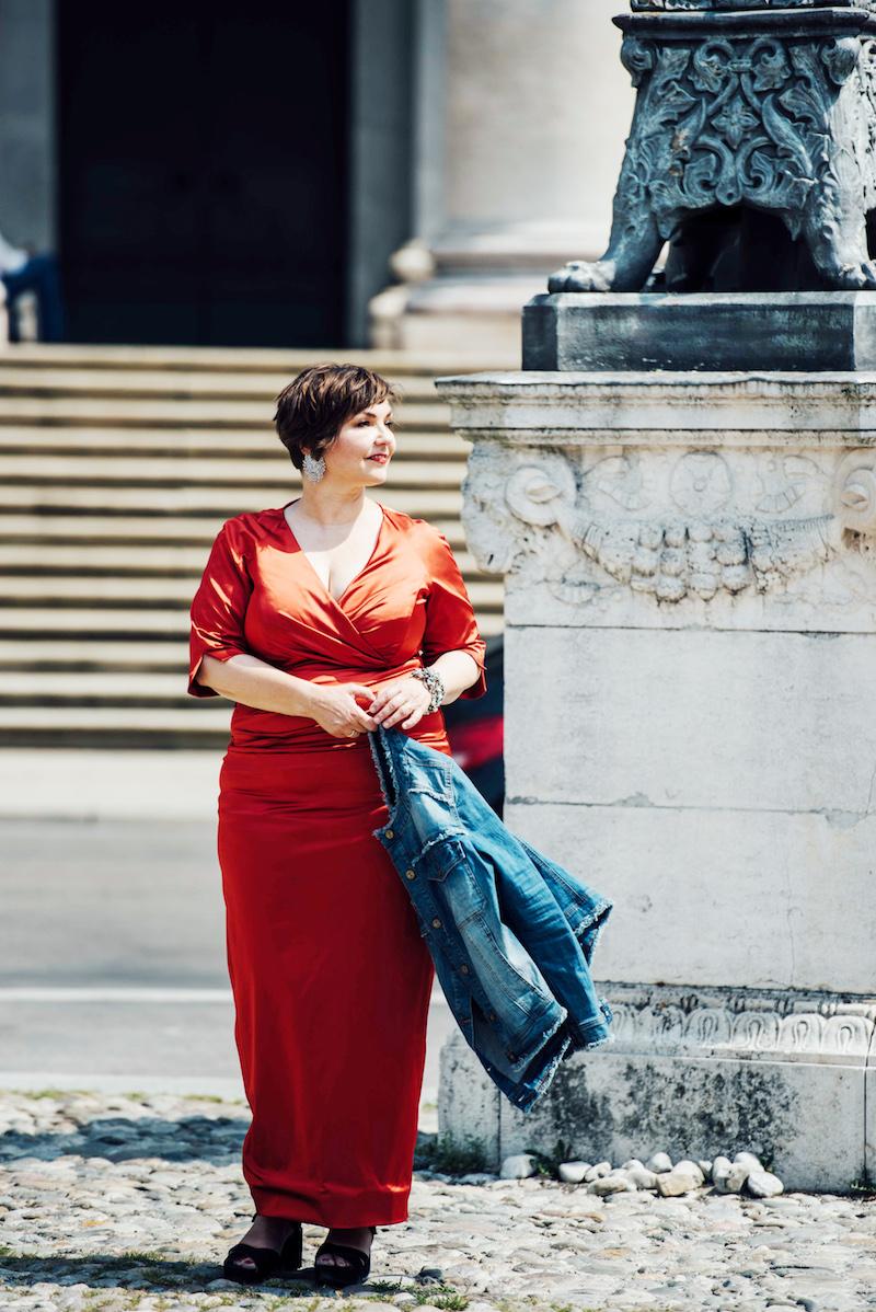 Susanne Ackstaller aka texterella im roten Abendkleid!