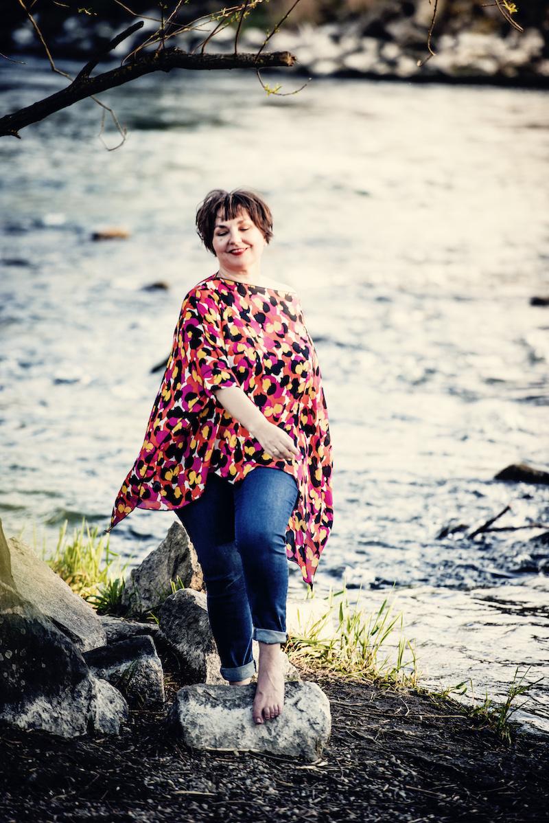 Schwungvoll, leicht, hochwertig: Susanne Ackstaller trägt ihre Lieblingstunika.