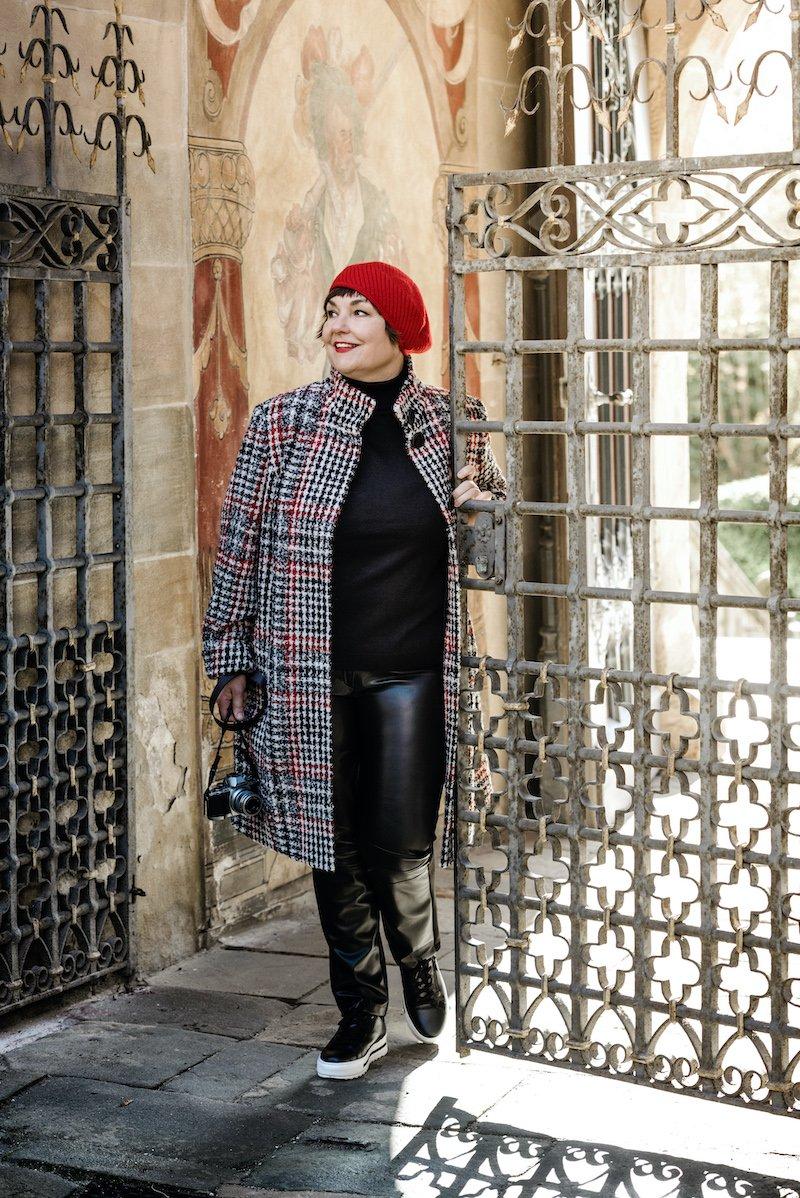 Texterella aka Susanne Ackstaller trägt den im Herbst 2020 angesagten Karolook.