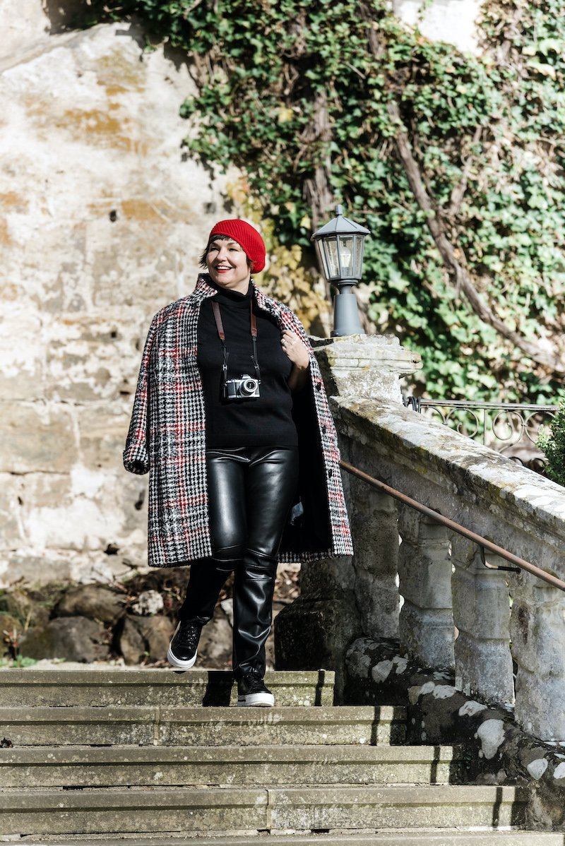 Susanne Ackstaller aka Texterella liebt den im Herbst 2020 angesagten Karolook