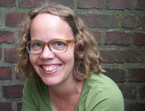 Andrea Behnke, Autorin, Journalistin, 46