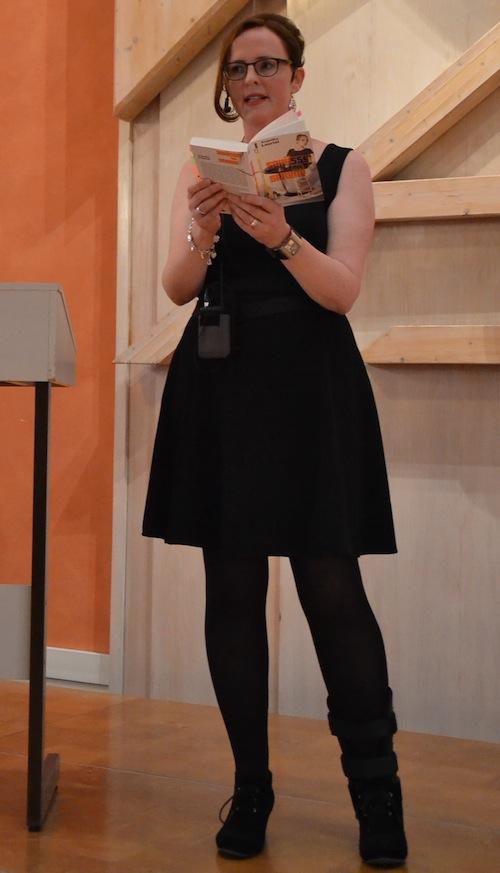 Krimiautorin Angelika Lauriel bei einer Lesung 2014