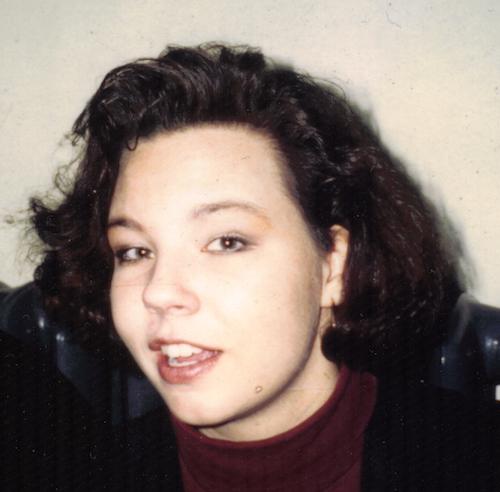 Anja mit Dauerwelle