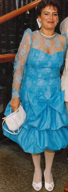 Karin Austmeyer im Ballonkleid