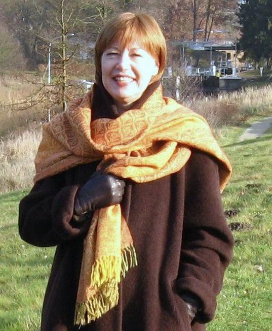 Barbara Lotte mit Tuch 2006