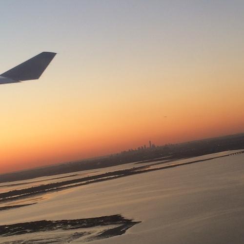 Blick vom Flugzeug auf Manhattan