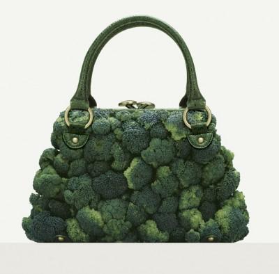 Eine Henkel-Handtasche aus Brokkoli-Röschen