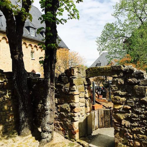 Burghof auf Burg Ebernburg