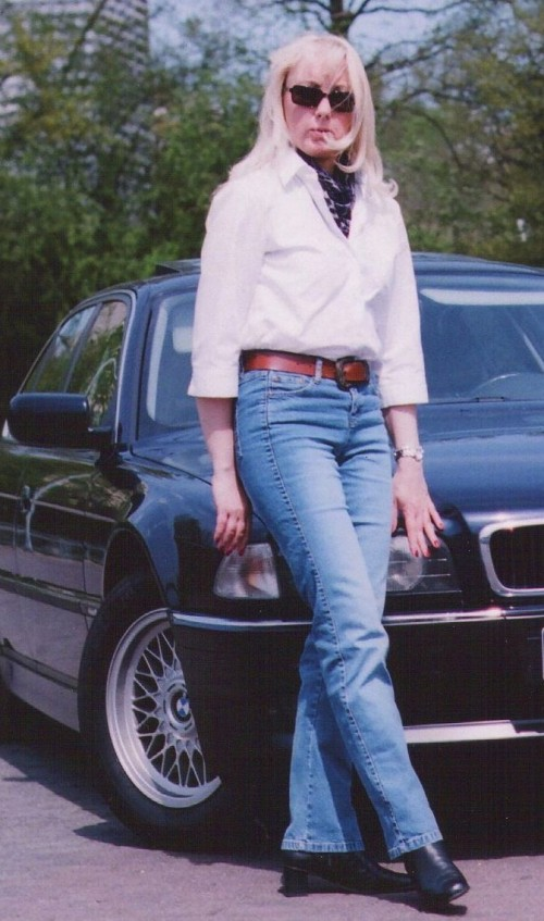 Christine Lawens in lässiger Jeans. 2013.