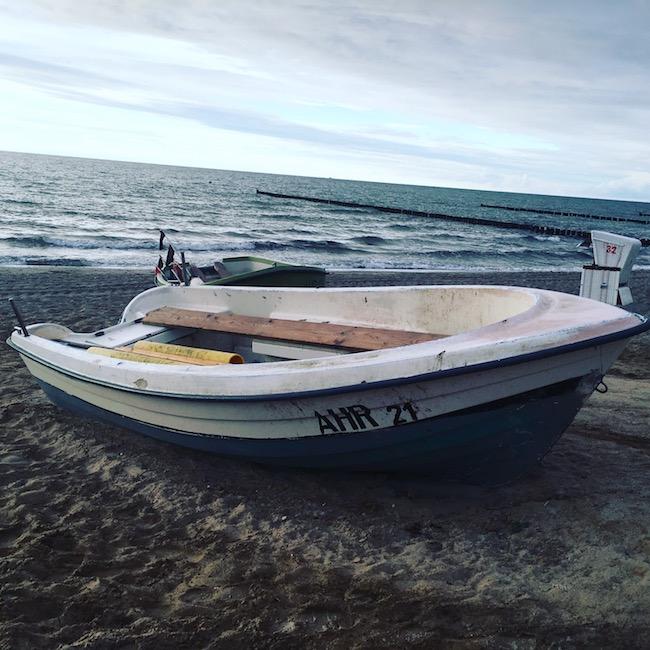 Das Boot. An Buhne 13 in Ahrenshoop.