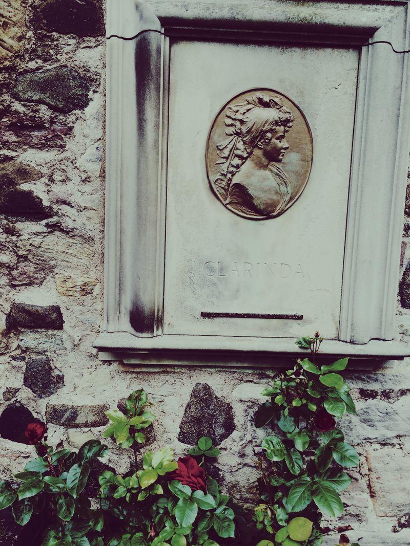 Wer ist Clarinda? Oder: Friedhofsbesuch auf dem Kirkyard Canongate