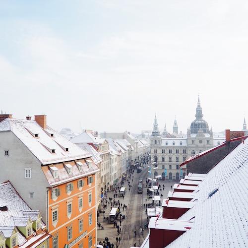 Graz, Österreich: Blick über die Dächer