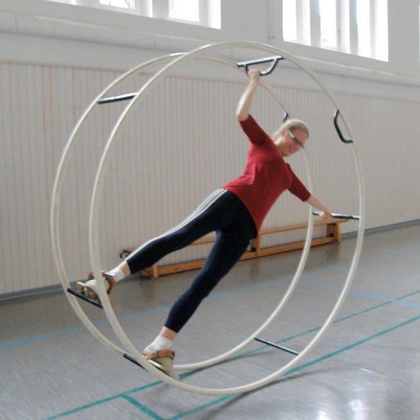 Isabel Bogdan turnt Rhönrad