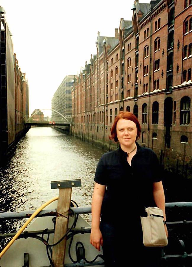 Nie mehr ohne Lippenstift! – Dieses Mantra hat Katja Rosenbohm vor Kurzem für sich entdeckt. Sie ist Lektorin und im Montagsinterview bei Texterella.