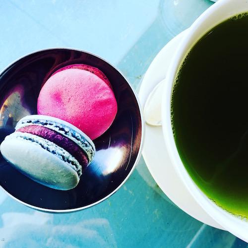 Matcha-Tee versus Macarons