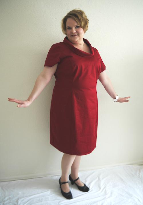 Ulrike Bartoz im roten Kleid