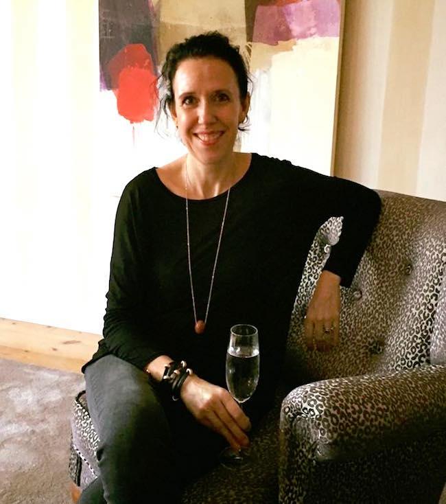 Susanne Graue mit Sektglas