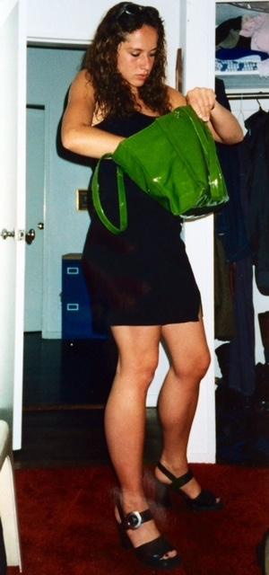 Tamina Kallert mit grüner Lieblingstasche