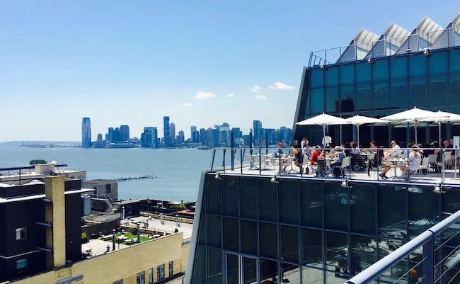 Der Blick vom Whitney Museum auf den Hudson und Hoboken
