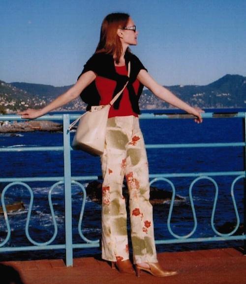 Christine Finke mit bunter Hose (2005)