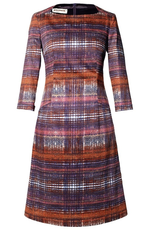 Leicht ausgestelltes Etui-Kleid von garment